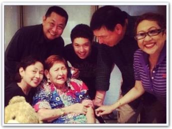ARTICLES - Memorabilia (31) Mama Santos