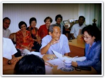ARTICLES - Political Memorabilia (12)